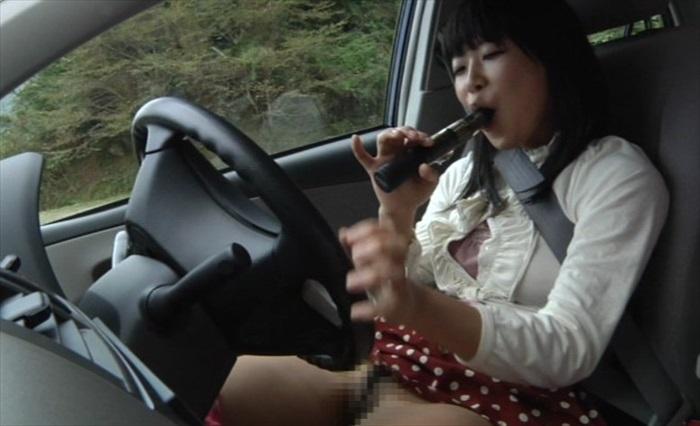 素人若妻の運転オナニー